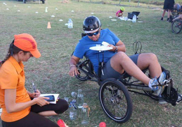 Vélo-couché en challenge pour enterrement de vie créateur de bonheur et confortable