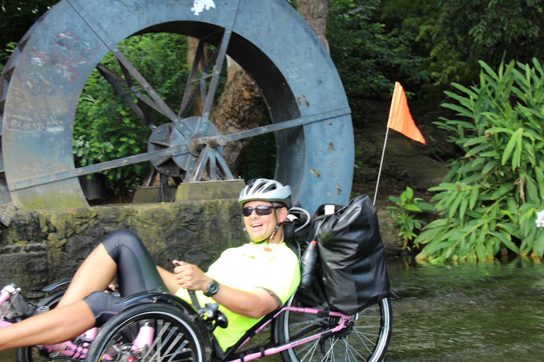 Tour des Roches en vélo-couché sur la trace des premiers habitants