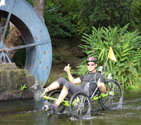 Balade Tour des Roches en vélo-couché sur la Route des Premier Français